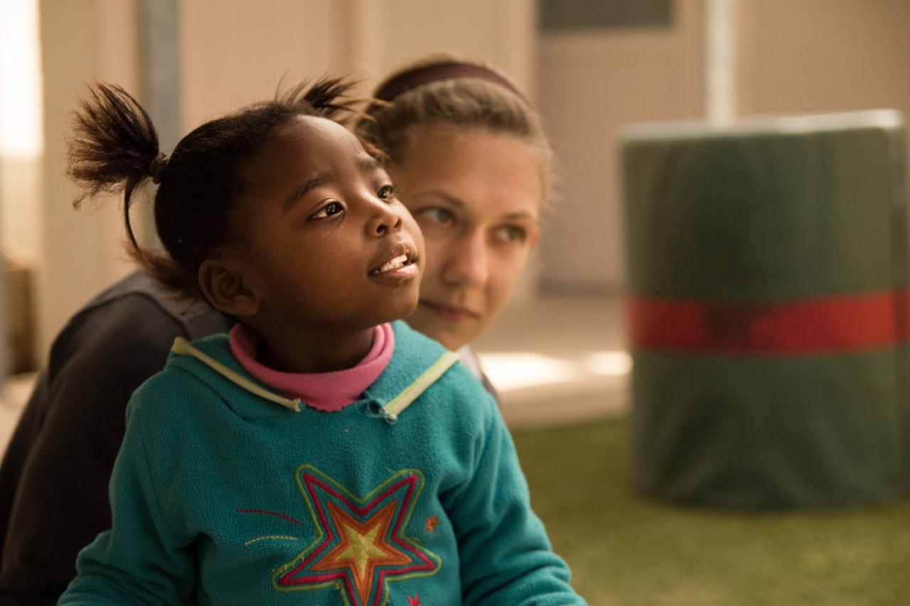 Betreue und fördere Kinder mit Behinderungen in Kapstadt