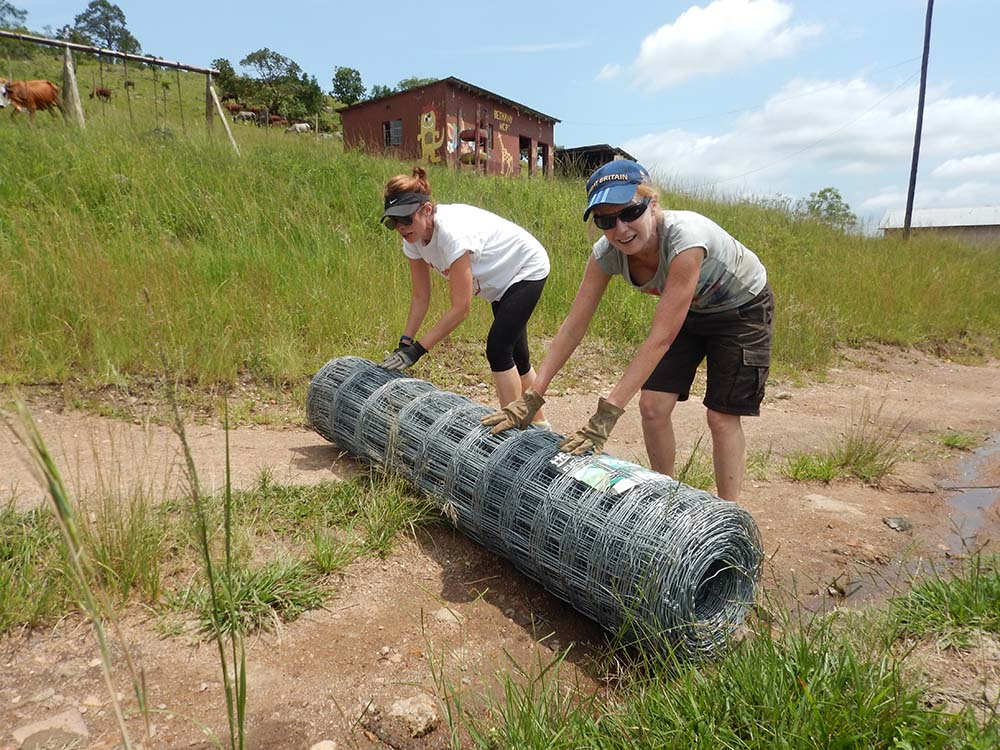 Building houses in Swaziland - volunteer abroad